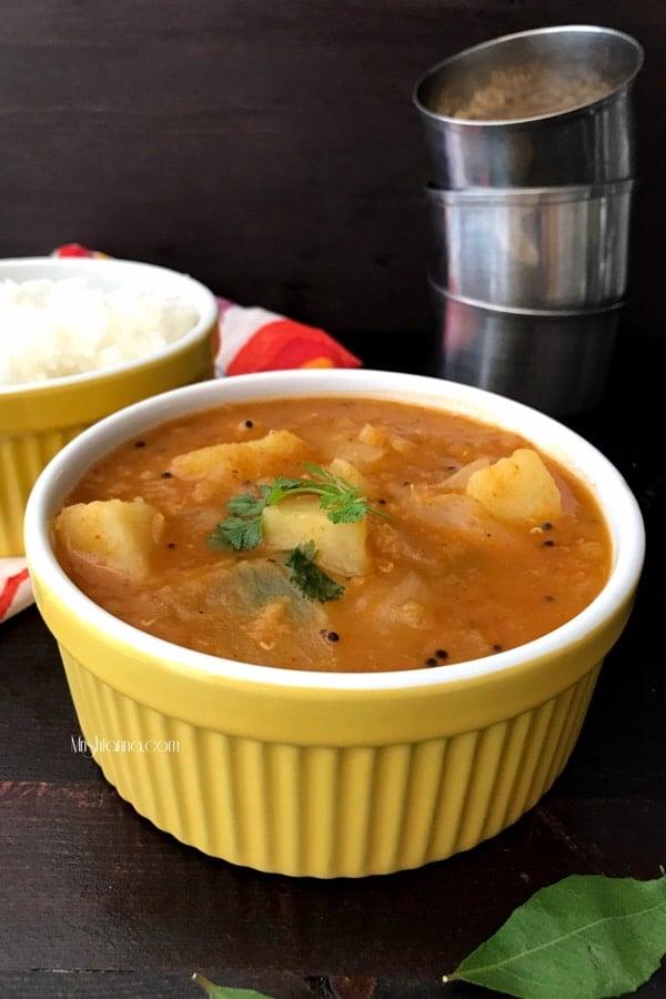 A bowl of Sambar and Onion